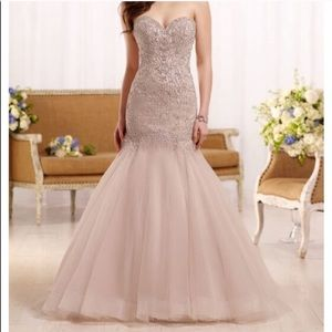 Dresses & Skirts - Essense of Australia wedding gown